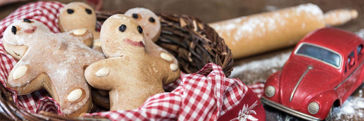 Lebkuchenmänner aus dem Holzbackofen