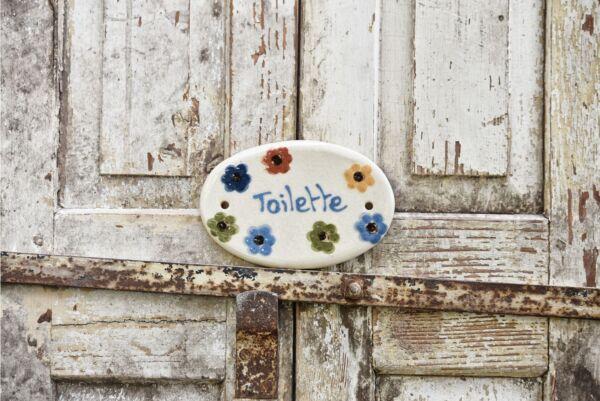 Keramikschild 'Toilette mit Blumen', 14 cm, weiß