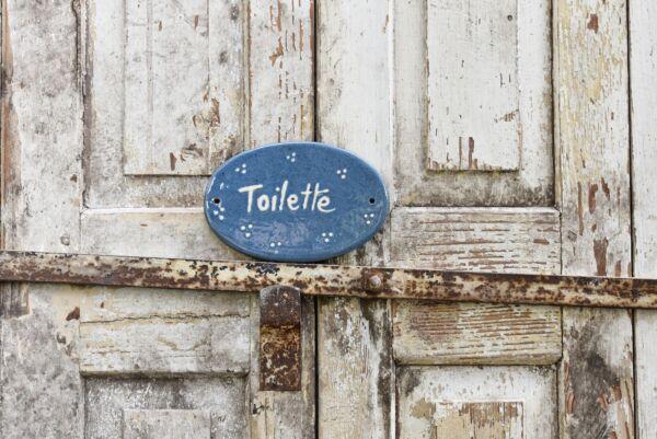 Keramikschild 'Toilette Agathe', 14 cm, hellblau